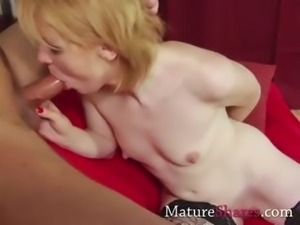 Skinny MILF goes all the way