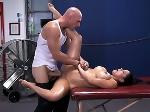 Busty Diamond Kitty gets massaged by muscled Johnny Sins and gets his cock up...