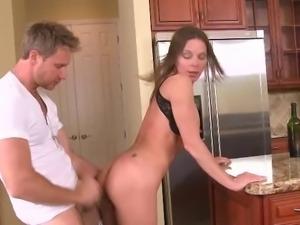 Sexy DancingBear Mom Gets Fucked!!!