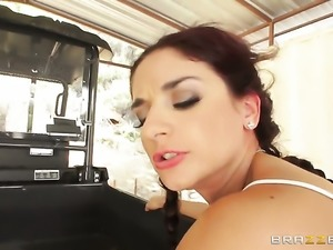 Jordan Ash gives ultra sexy Sheena Ryders mouth a try in oral action before...
