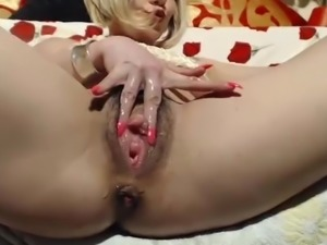 Fabulous Juicy Hairy Pussy On Cam VR88