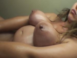 pregnant - hoot brunete vassanta