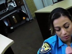 Pawning police babe sucking dick for cash