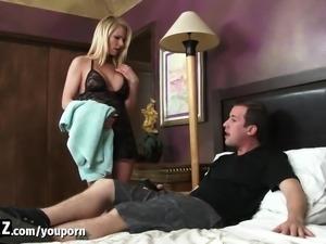WANKZ - Hot Stepmom Gets Fucked In The Shower!