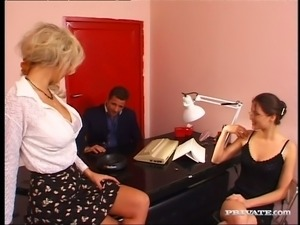 Blonde secretary in glasses Kamila and her colleague please their boss