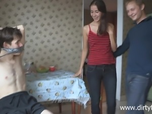A cute babe makes her boyfriend cuckold as revenge