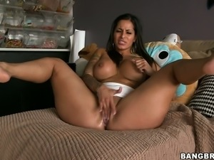 Full bodied sexpot with delicious round booty is playing with her snatch in...