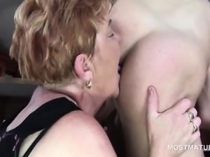 Mature hoes doing hard cocks in kinky 4some