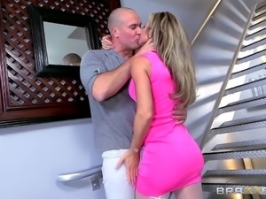 Bald guy gladly gives the blonde cougar an unforgettable pounding