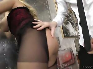 Blonde pornstars is spreading her legs
