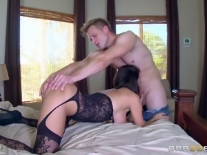 Sexy Peta Jensen lets the partner screw her in all the different poses