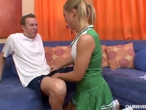 Teen cheerleader gives a hot BJ and gets laid hardcore