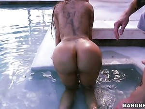 Brunette Lela Star milks cum loaded cock of her man