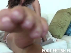 My feet will get your dick so hard